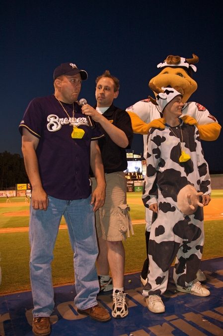 timber rattlers moo contest.JPG