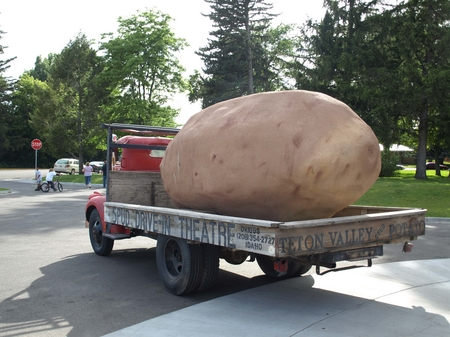 Idaho Falls -- Two Ton Potato.JPG