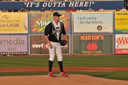 Lehigh Valley -- Tux on Mound.JPG