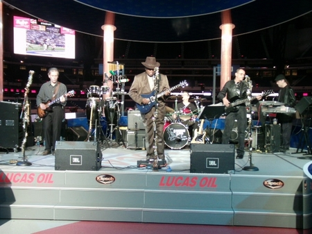 Indy -- Lucas Oil -- Band.JPG