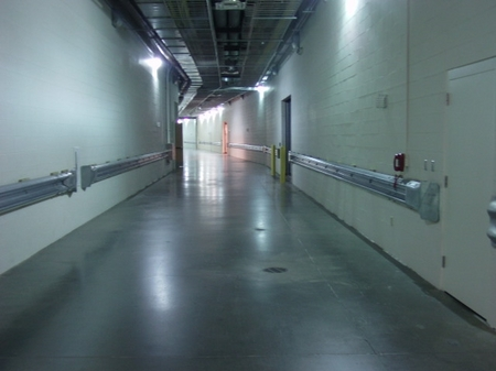 Indy -- Lucas Oil - Tour -- Empty Hallways.JPG