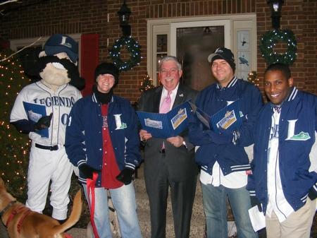 Lexington -- Xmas Caroling 2009.JPG