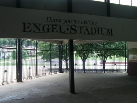 Engel_concourse sign.JPG