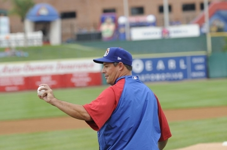 Peoria_Maddux_withball.JPG