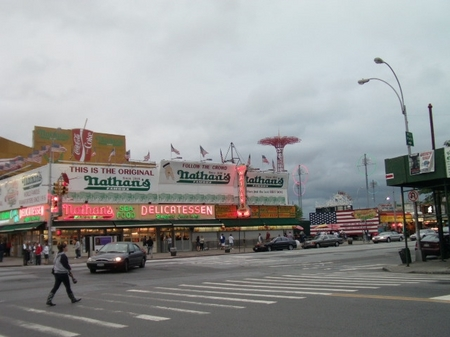 BrooklynRain_Nathan'sAcrossStreet.JPG