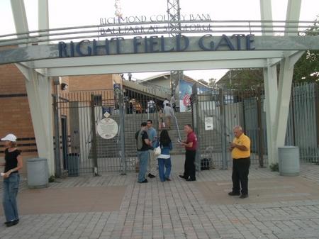 Staten_rightfieldgate.JPG