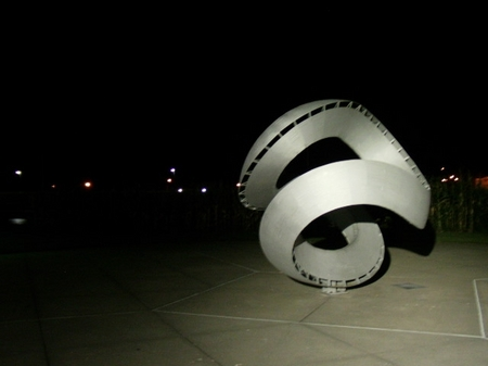 Iowa_nightsculpture.JPG