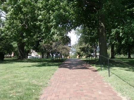 SnakeAlley_nearbypark.JPG