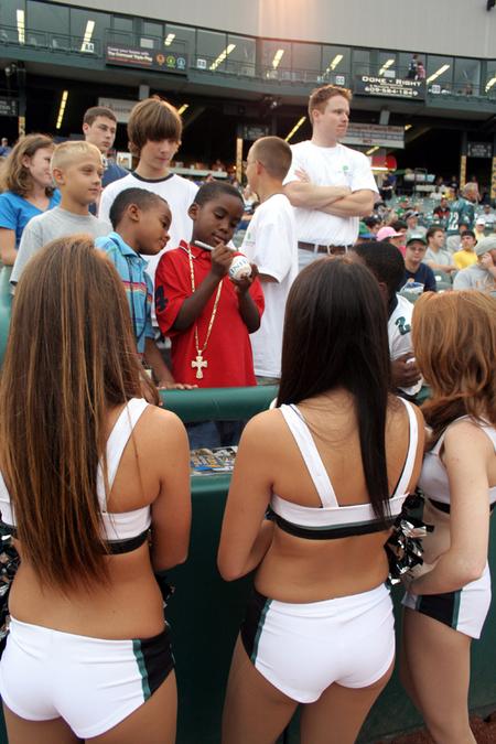 Thumbnail image for Thumbnail image for Thumbnail image for cheer2.jpg